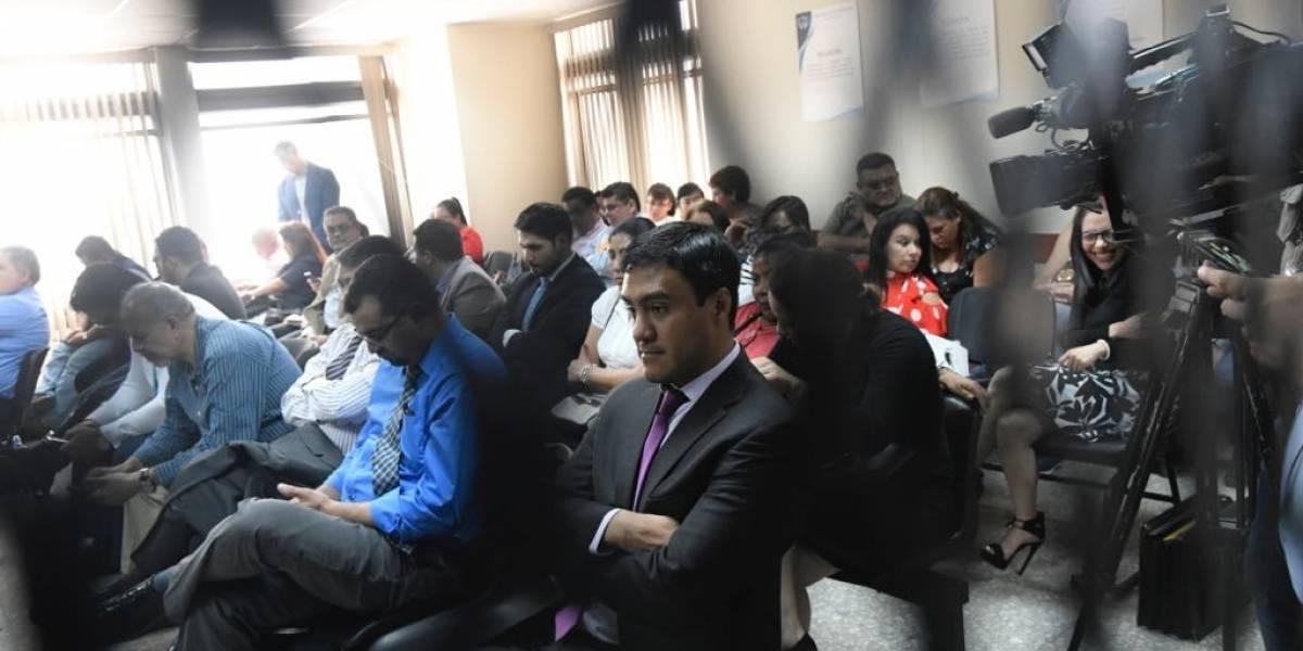 Tribunal rechaza por mayoría dictar arresto domiciliario a seis sindicados caso IGSS-Pisa