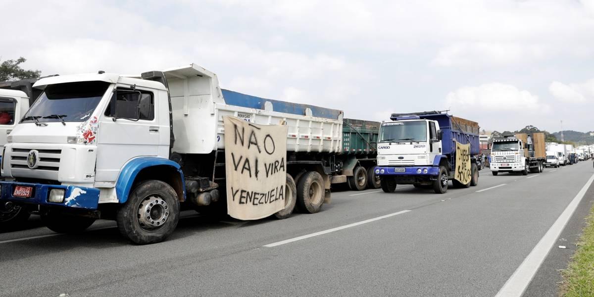 EUA emite alerta por greve de caminhoneiros no Brasil