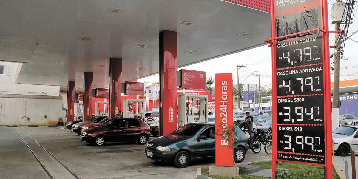 Padilha diz que desconto de R$ 0,46 no diesel depende de estoques