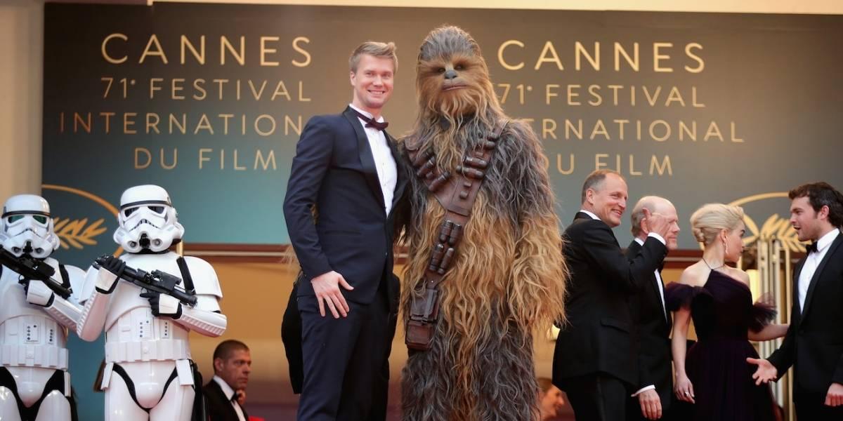 Intérprete do novo Chewbacca diz que personagem ganharia de LeBron James