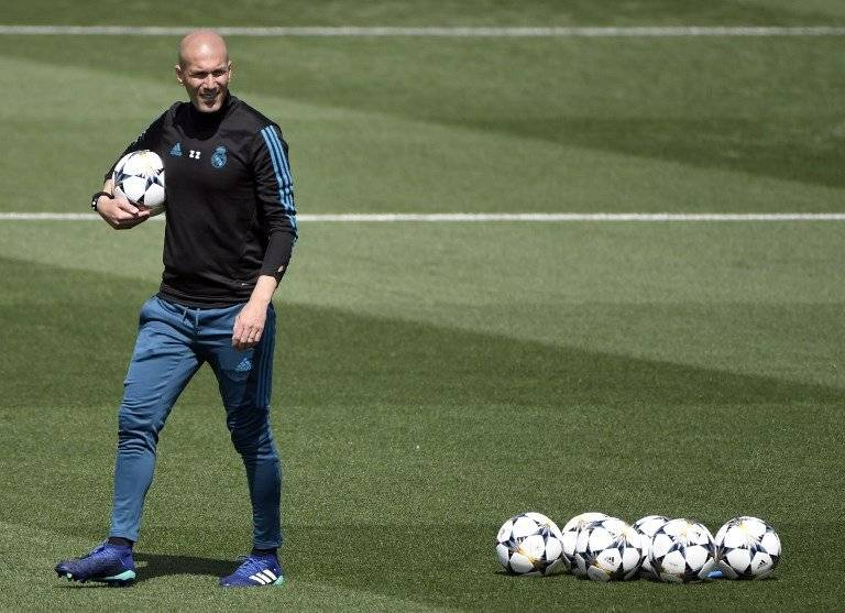 Zidane durante una práctica del Madrid