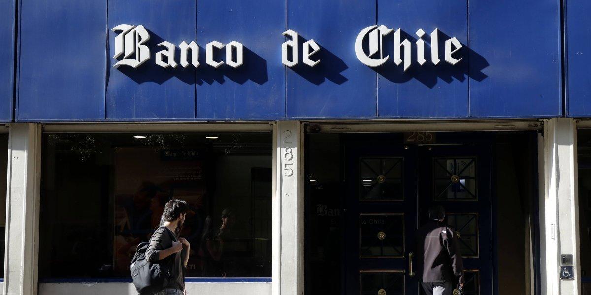Banco de Chile sigue trabajando para solucionar problemas y llama a preferir sus servicios online