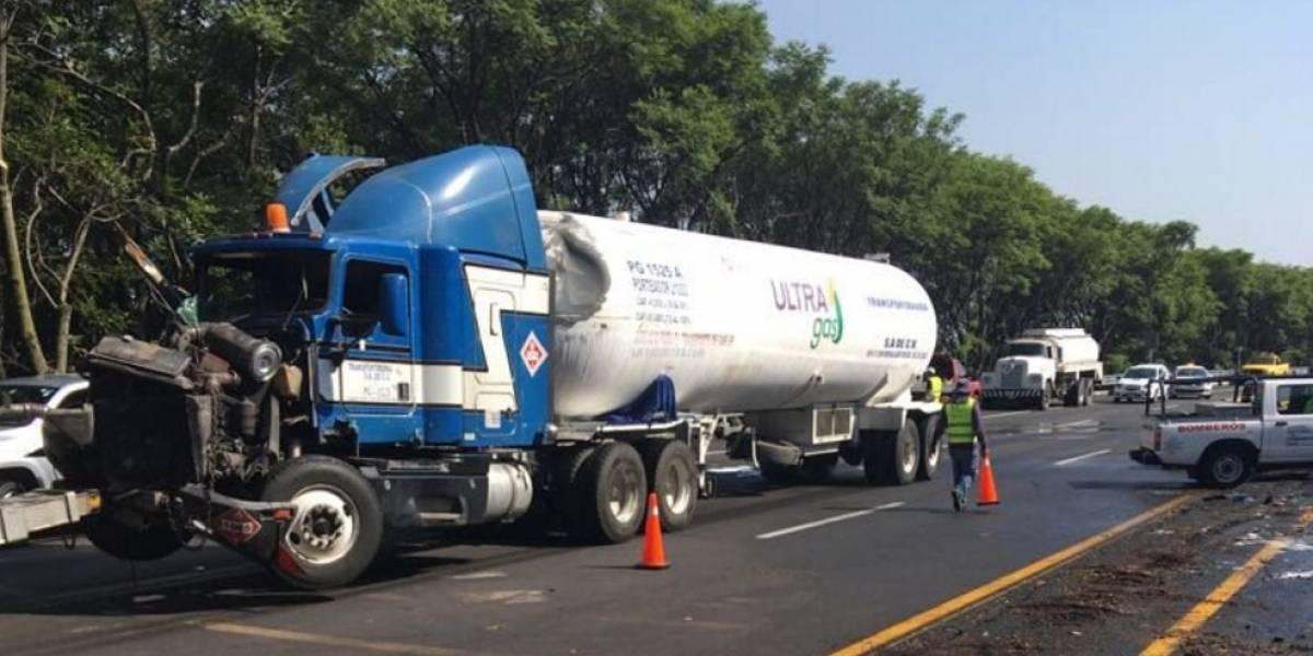 Reabren circulación en la México-Cuernavaca tras 15 horas cerrada