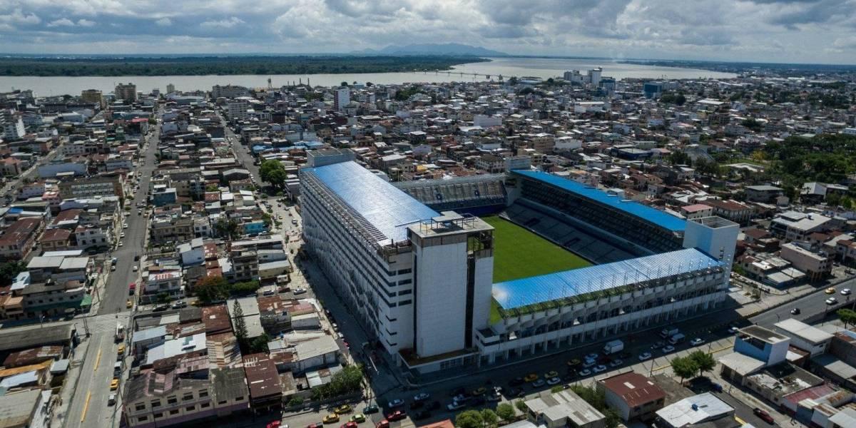 Emelec estrenará iluminarias exteriores de su estadio en el 'Clásico de Astillero'