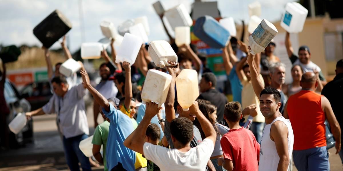 FOTOS: a romaria dos brasileiros em busca de combustível