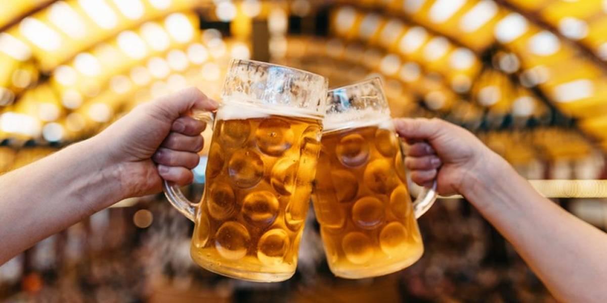 Expertos alertan: informe asegura que alcohol y la carne aumentan la posibilidad de tener cáncer y ni siquiera consumir un poco es saludable
