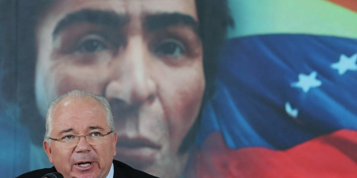 Ex zar petrolero de Venezuela advierte de desplome económico