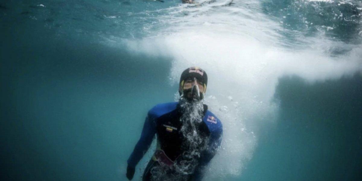Clavadista colombiano saltó de un iceberg en la Antártida