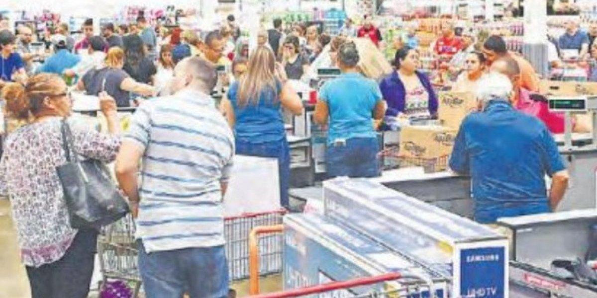 Indecisos consumidores tras el huracán María