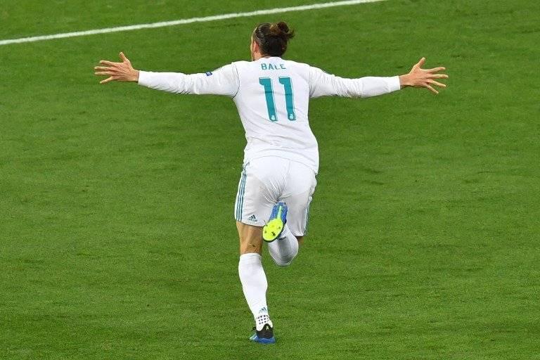 Bale festeja uno de sus tantos