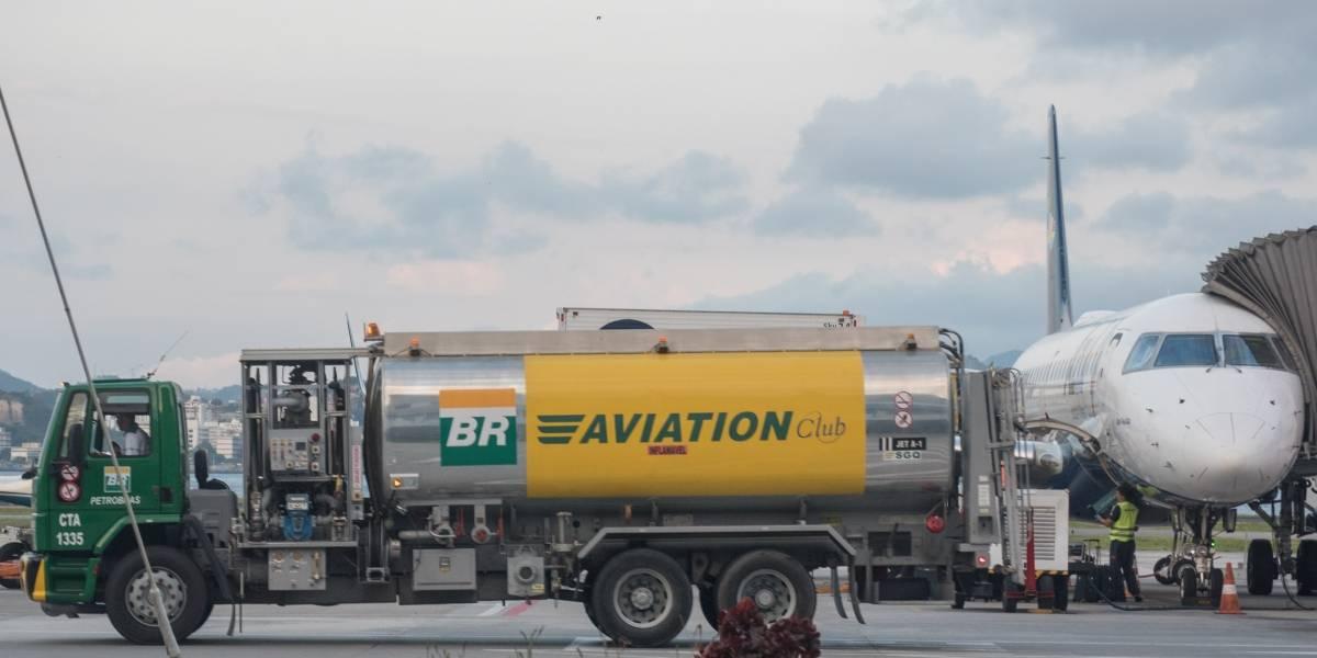 Greve dos caminhoneiros: falta combustível em onze aeroportos neste sábado