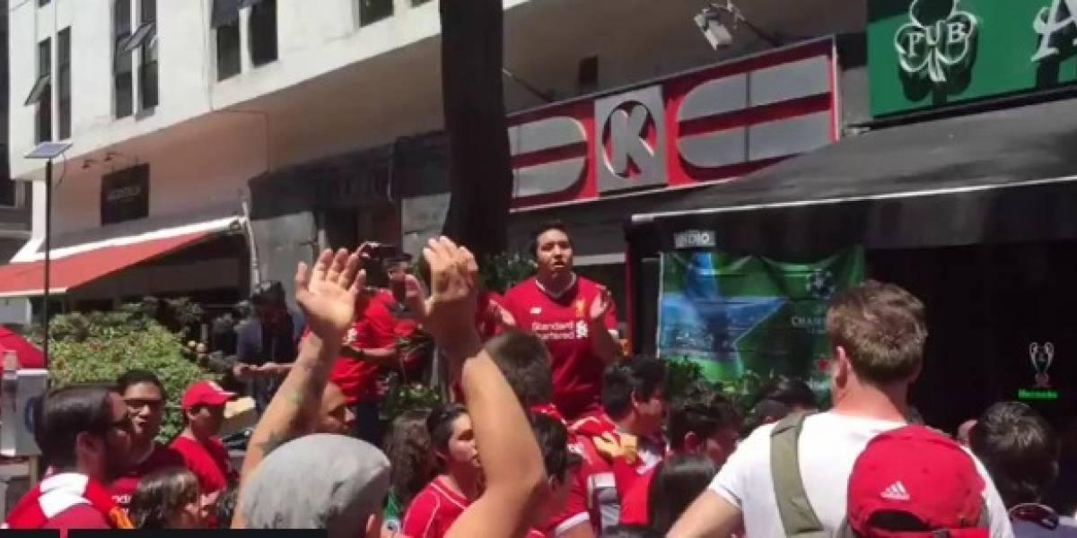 VIDEO: Fans mexicanos de Liverpool ambientaron Bellas Artes