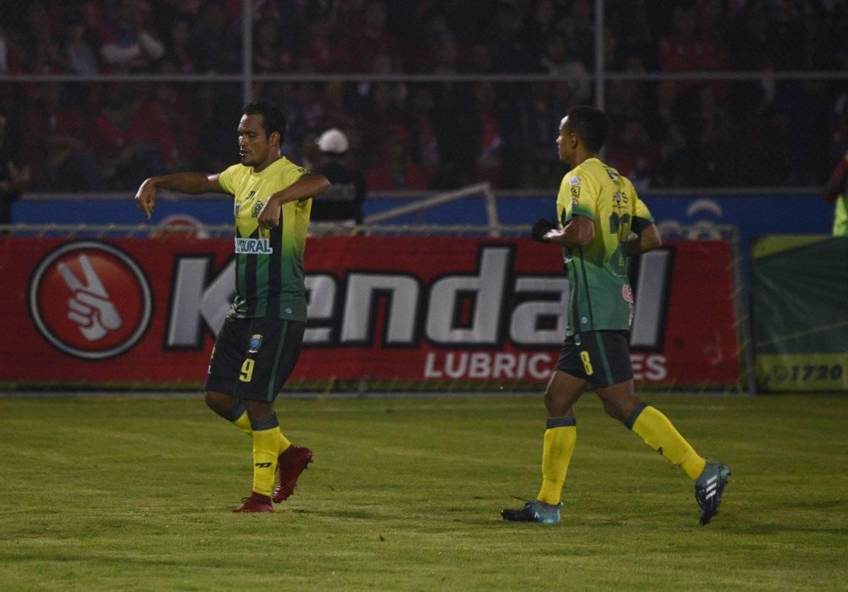 Ángel Rodríguez celebra su anotación en el partido de ida