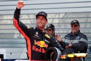 Ricciardo mantém domínio, bate recorde da pista e garante a pole no GP de Mônaco
