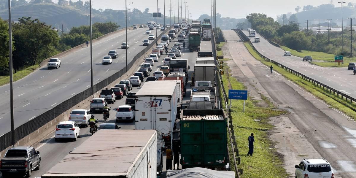 Greve de caminhoneiros já causa prejuízo de R$ 10 bilhões