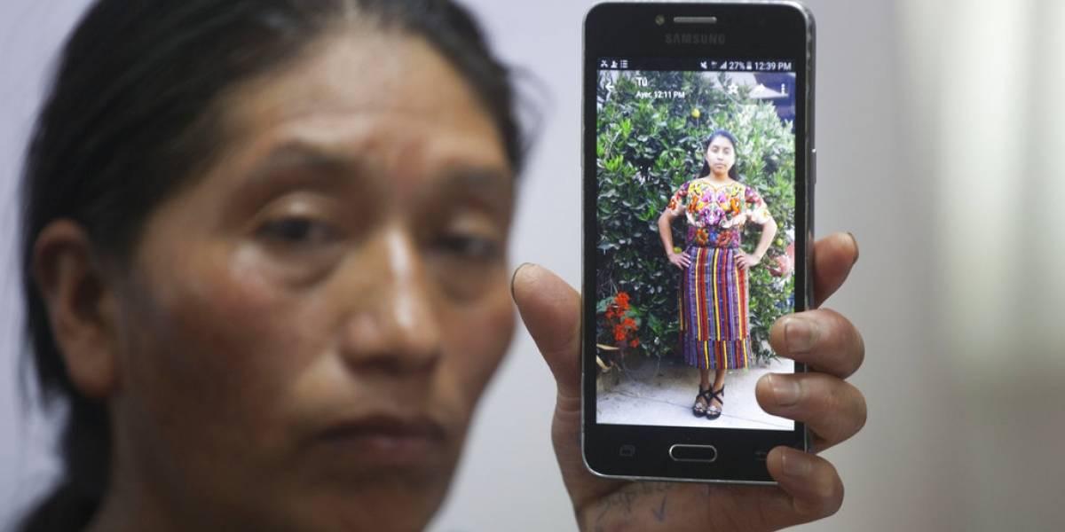 Sepultan a migrante guatemalteca baleada por agente en EEUU