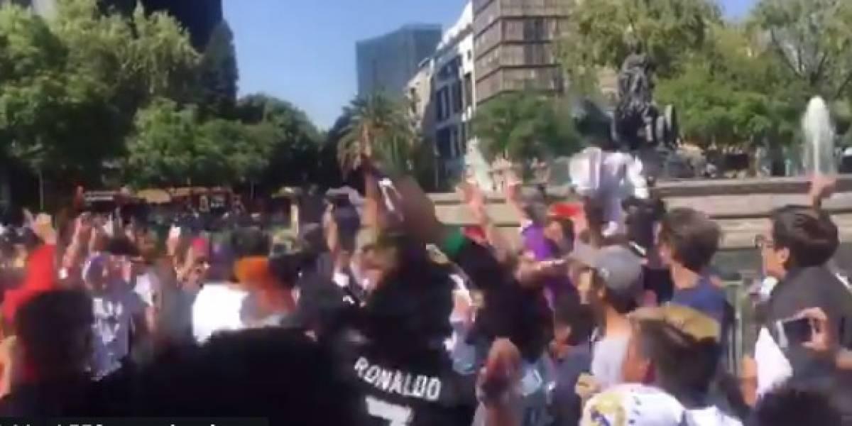 VIDEO: Mexicanos celebran título del Madrid en la Cibeles de CDMX