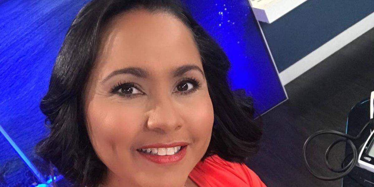 Keylla Hernández saca fuerzas para animar a su hijo