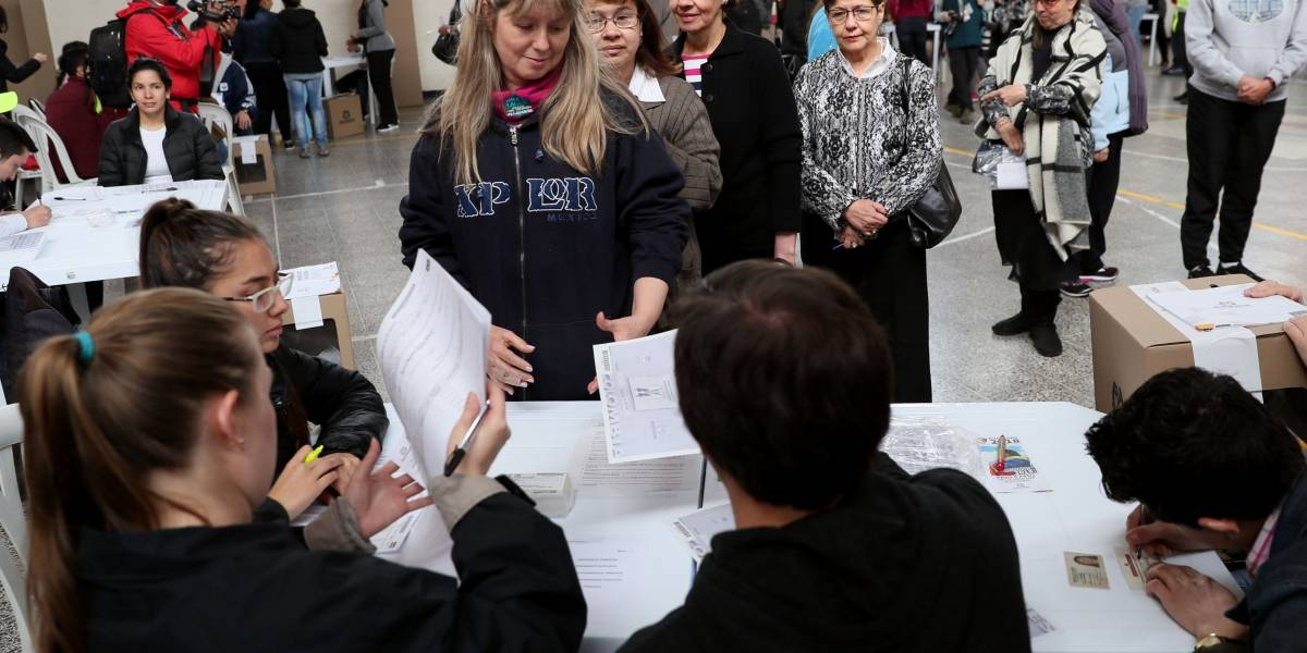Críticas de veedores internacionales a las elecciones presidenciales de Colombia