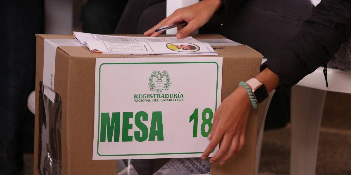 Las urnas en el exterior se abrieron para la segunda vuelta presidencial