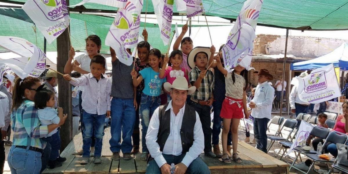 El Bronco organiza cabalgata en Durango