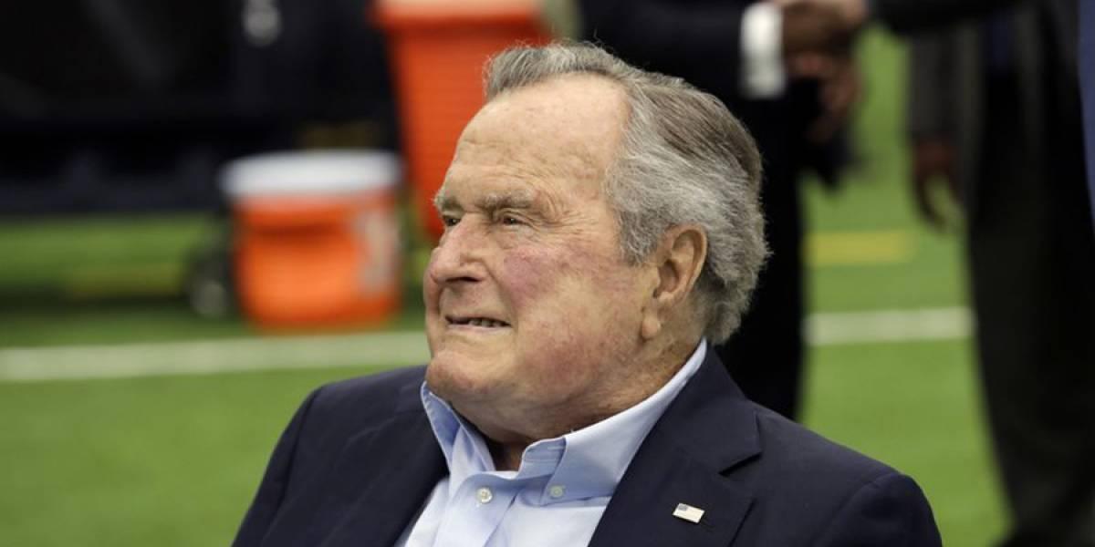 Hospitalizan al ex presidente George H.W. Bush