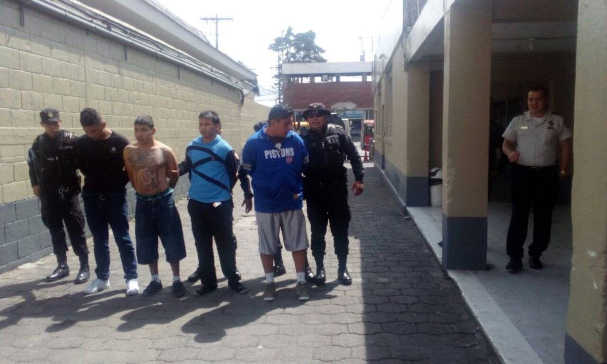 Los tres capturados supuestamente pertenecen a la pandilla del Barrio 18. PNC