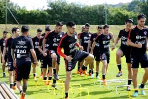 La Roja se prepara para iniciar los tres partidos amistosos que jugará en Europa - Photosport