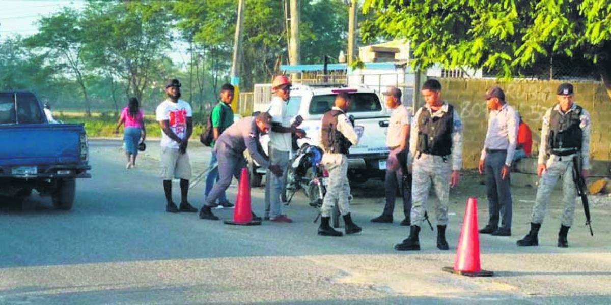 A nivel nacional detienen prófugos y 51 reconocidos delincuentes