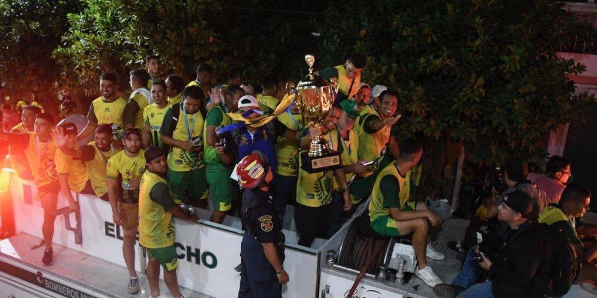 VIDEO. El recorrido del campeón por las calles de Guastatoya