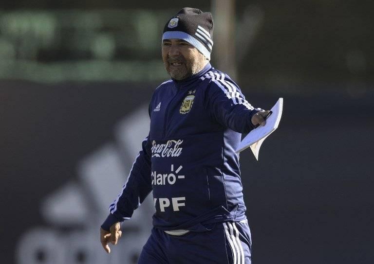 Jorge Sampaoli da indicaciones en una práctica de Argentina