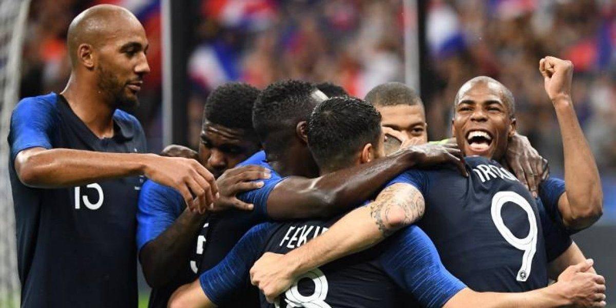 Francia venció fácilmente a Irlanda en un partido marcado por la fuerte lluvia