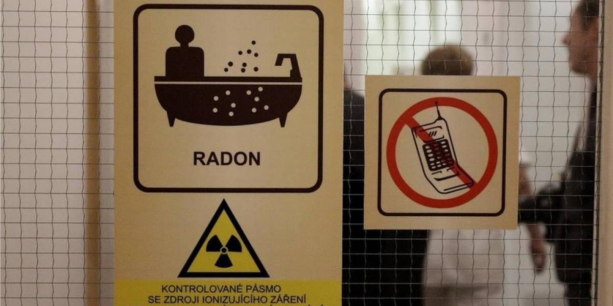 O resort onde os hóspedes pagam para tomar banho em águas radioativas