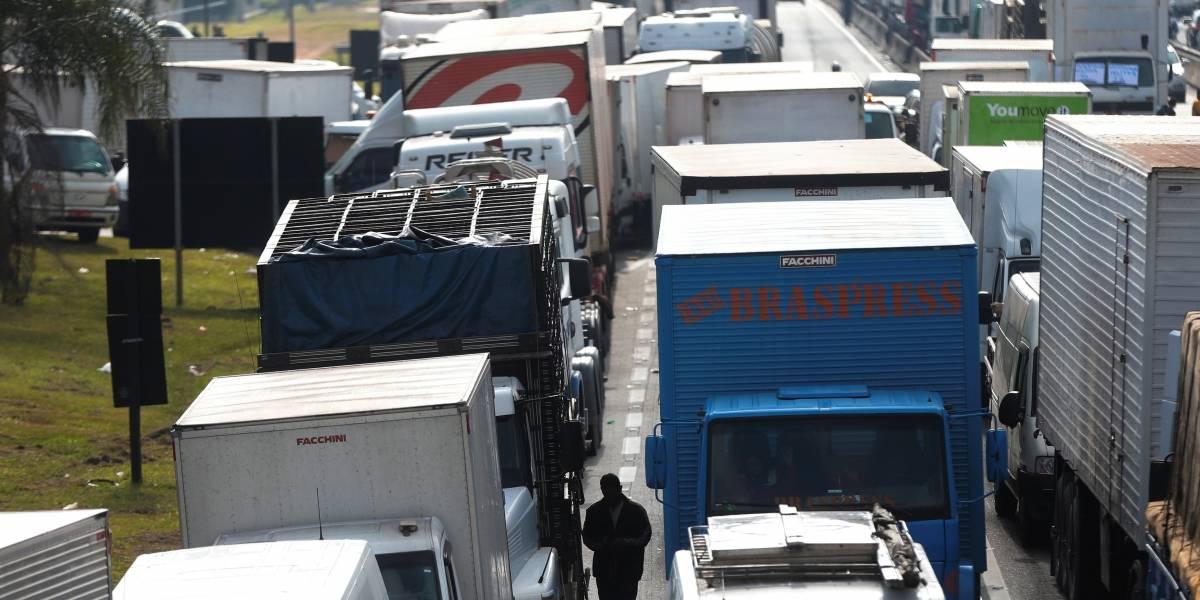 Caminhoneiros falam em nova greve; entenda o motivo