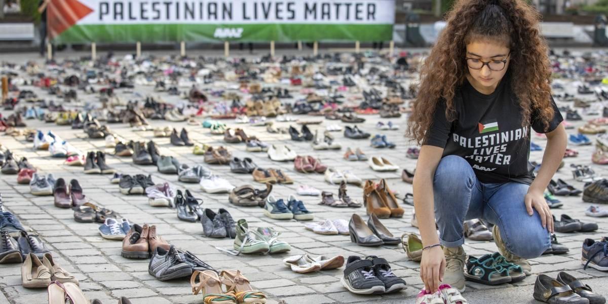 """""""Las vidas palestinas importan"""": 4.500 pares de zapatos recuerdan el número de víctimas provocadas por Israel"""