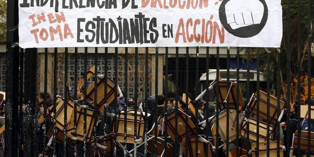 Nueva toma en el Instituto Nacional: estudiantes piden la renuncia del rector Fernando Soto