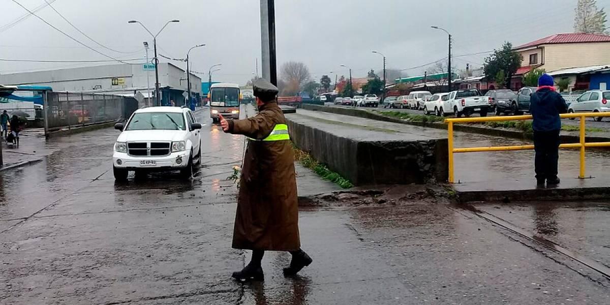 Primera lluvia, primeras inundaciones: decretan alerta roja en Los Ángeles por crecida de estero Quilque