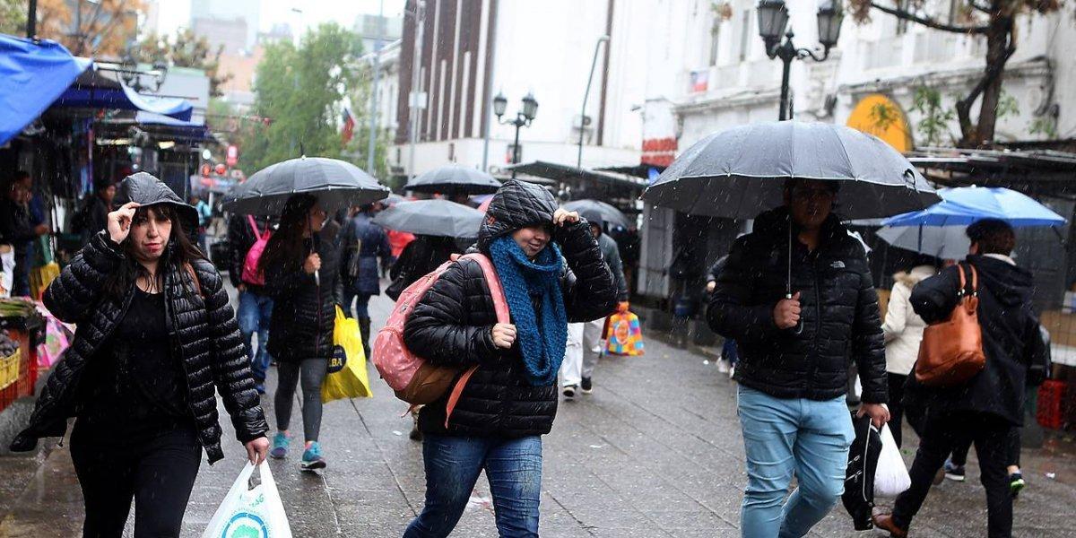 """Intendencia llama a """"estar alerta"""" ante la lluvia que caerá este martes por la tarde"""