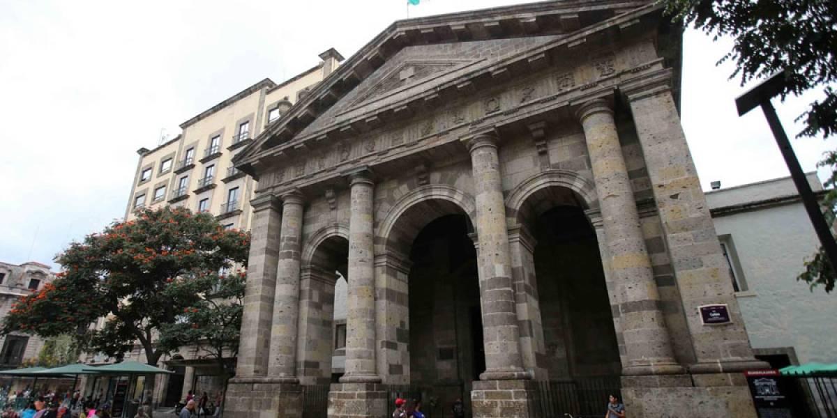 Inicia restauración de biblioteca afectada por incendio