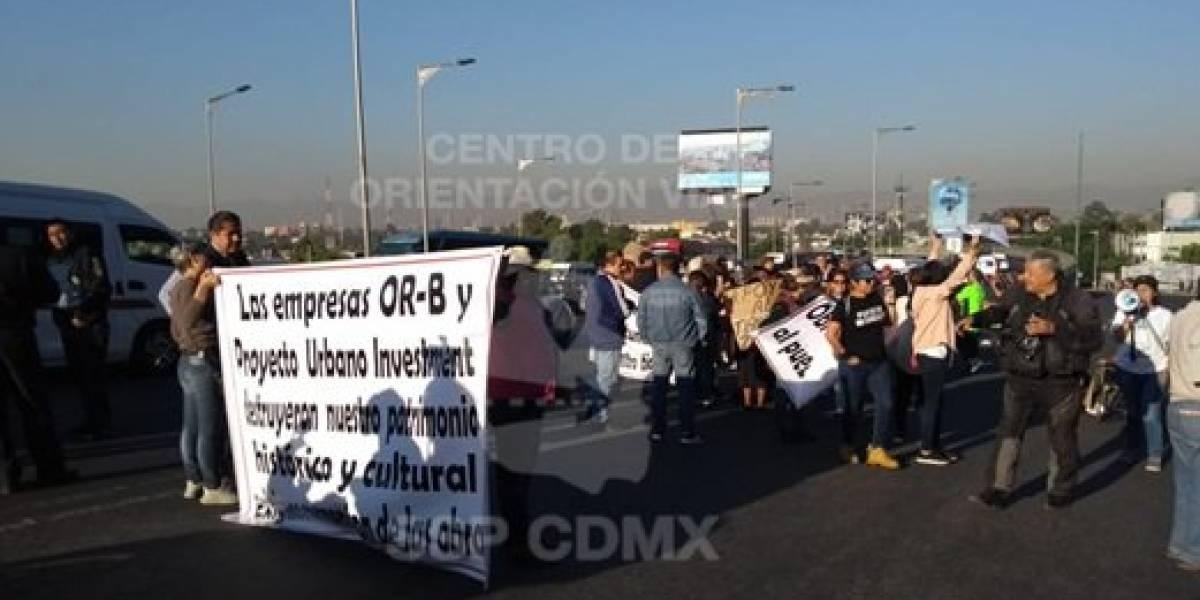 Bloquean Insurgentes Norte como protesta por obras de centro comercial