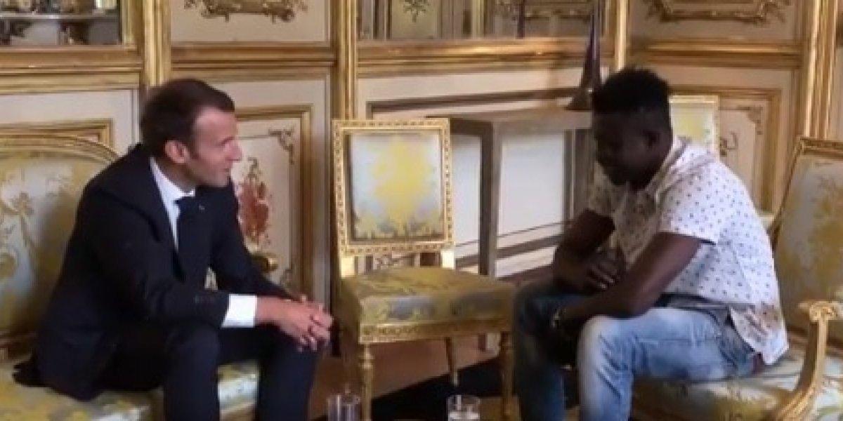Emmanuel Macron, presidente de Francia, invitó a inmigrante, que salvó a niño, a obtener nacionalidad francesa