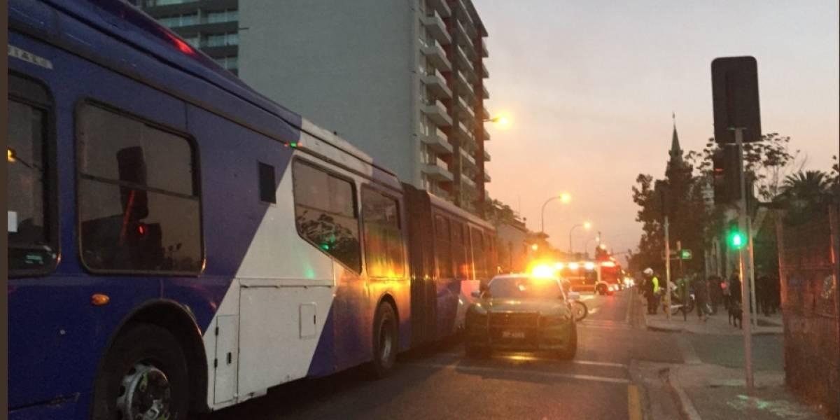 Ambas resultaron muertas: Bus del Transantiago atropella a niña de 7 años y a su hermana de 18