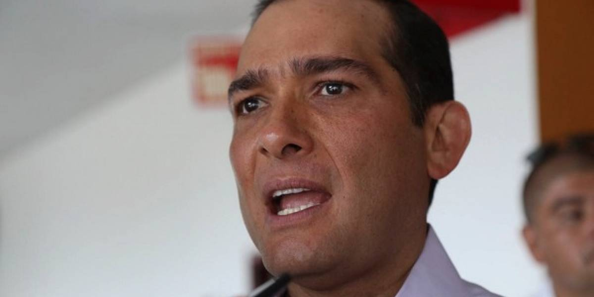Interpol emite ficha roja contra ex fiscal de Veracruz
