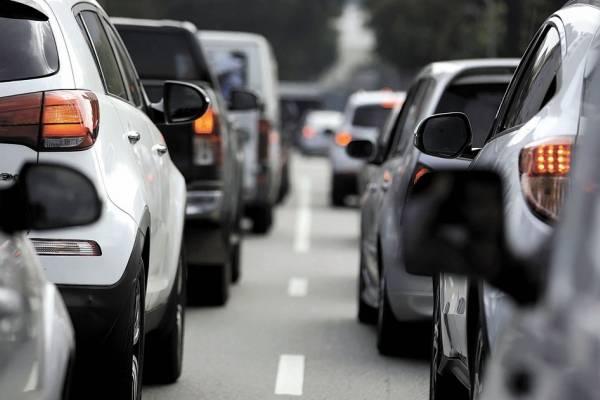 Donos de 362 mil veículos estão sendo cobrados | Bruno Rocha /Fotoarena/Folhapress