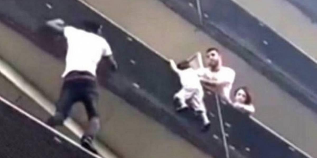 Imigrante que escalou prédio para salvar bebê ganhou um 'presente e tanto'