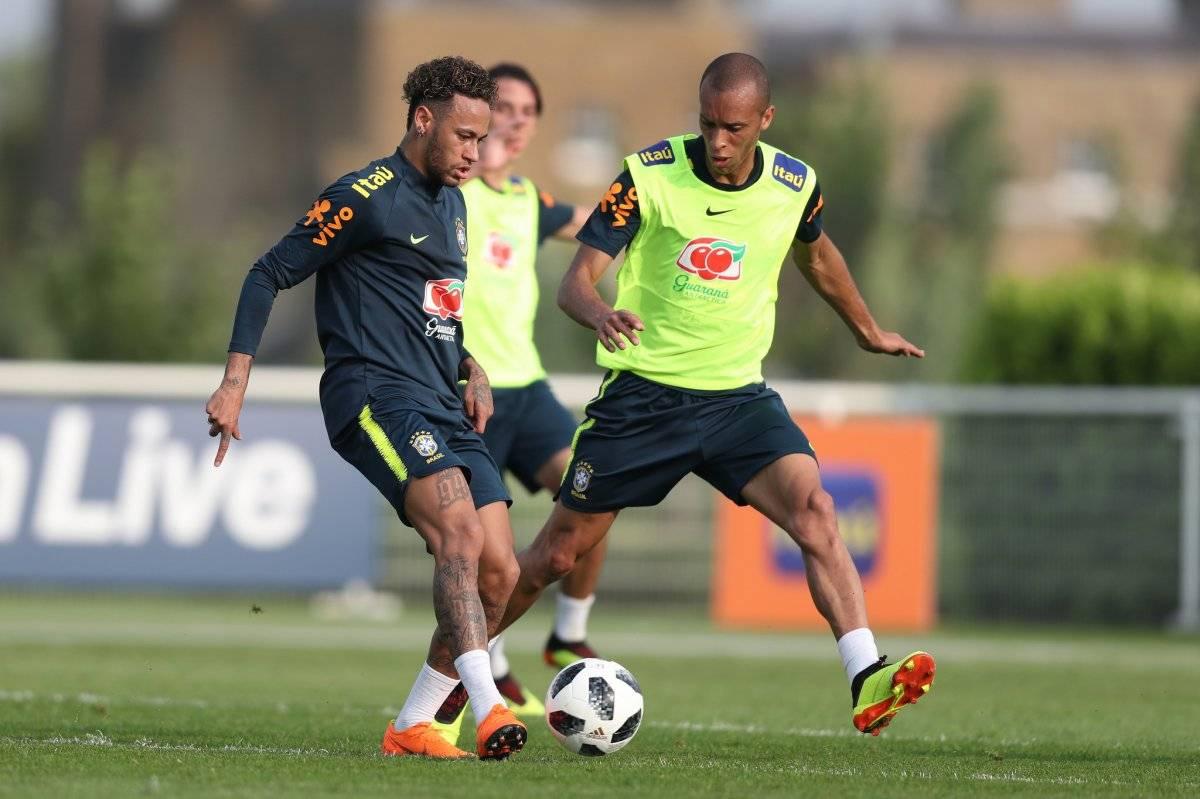 Neymar e Miranda Lucas Figueiredo/CBF