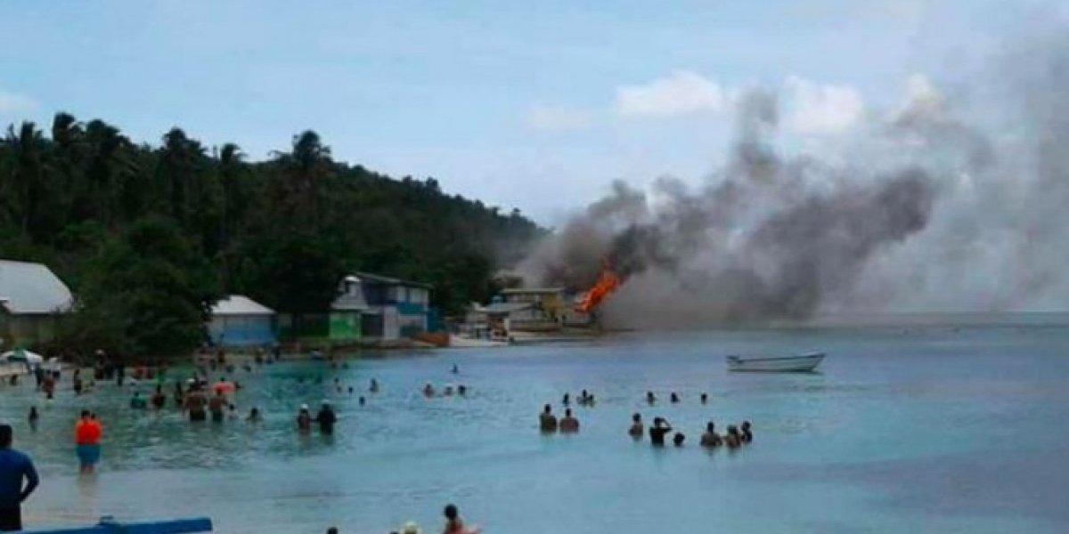 Fuego consume casa en zona de Playa Buyé