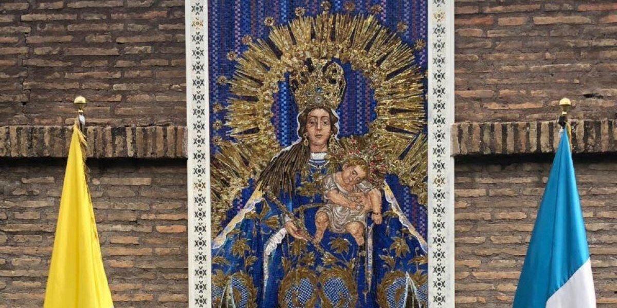Mosaico de la Virgen del Rosario fue develado en los jardines del Vaticano