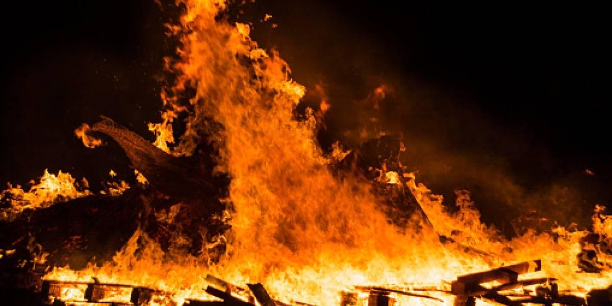 ¡Qué horror!, dueño de una residencia se prendió fuego y quemó a su inquilina