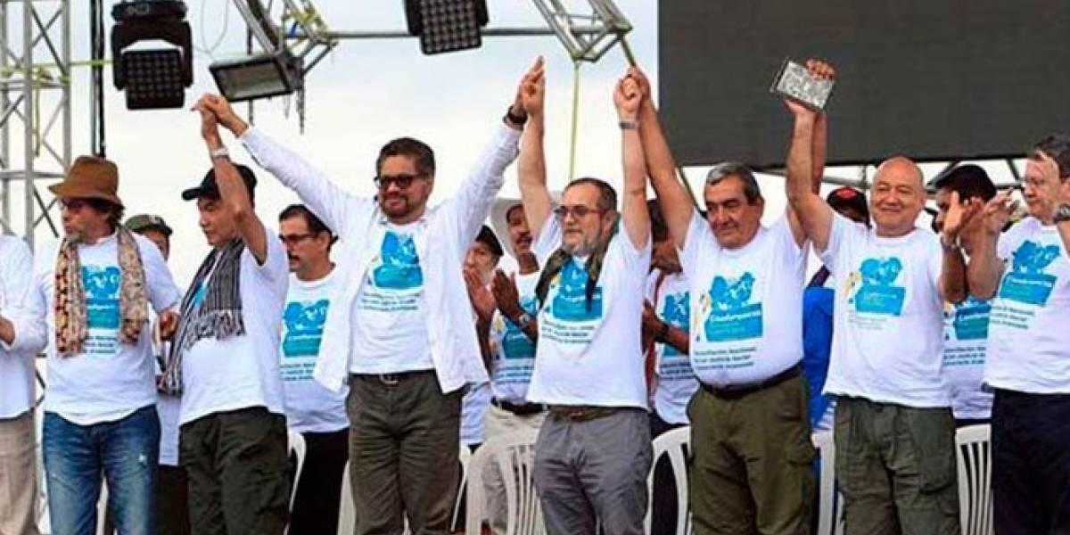 La falsa foto con miembros de Farc apoyando a Petro en la segunda vuelta